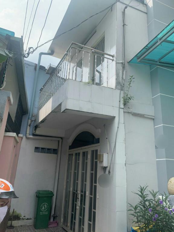 Bán nhà nhỏ, hẻm 10 đường 359 Phước Long B, Quận 9, cách đỗ xuân hợp 50M