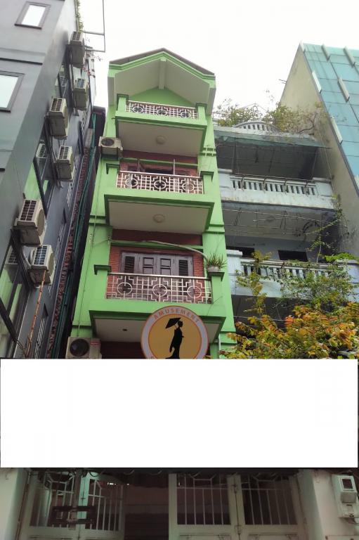 Cho thuê nhà mặt phố Linh Lang. 5 tầng, 8 phòng ngủ.  2 mặt tiền