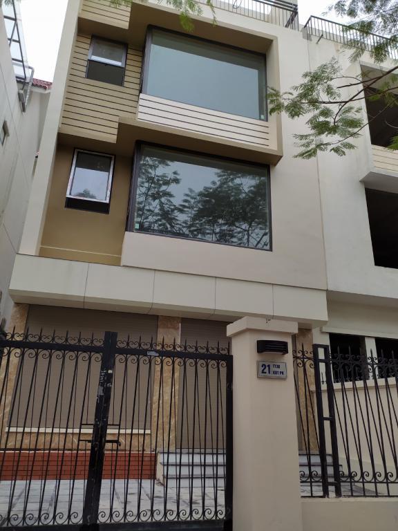 Cho thuê Biệt thự Tố Hữu hoàn thiện đẹp 100m x3T thông sàn cực hợp làm vp công ty giá tốt 0372042261