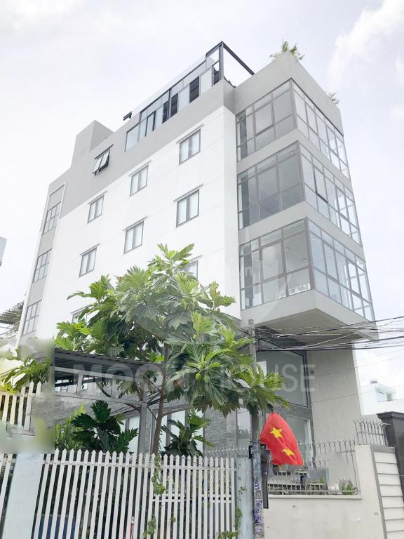 Cần Bán nhà Tòa Văn Phòng Quận 2, giá :18tỷ , sổ hồng riêng , chính chủ , full thổ , đường lộ giới 26m