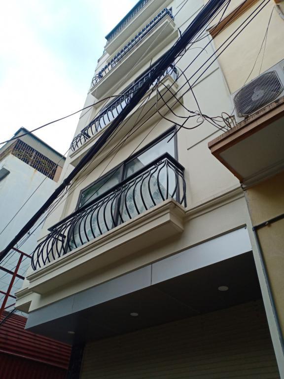 Bán gấp nhà Kim Giang ở ngay lô góc 41m 4 tầng 3 mặt thoáng