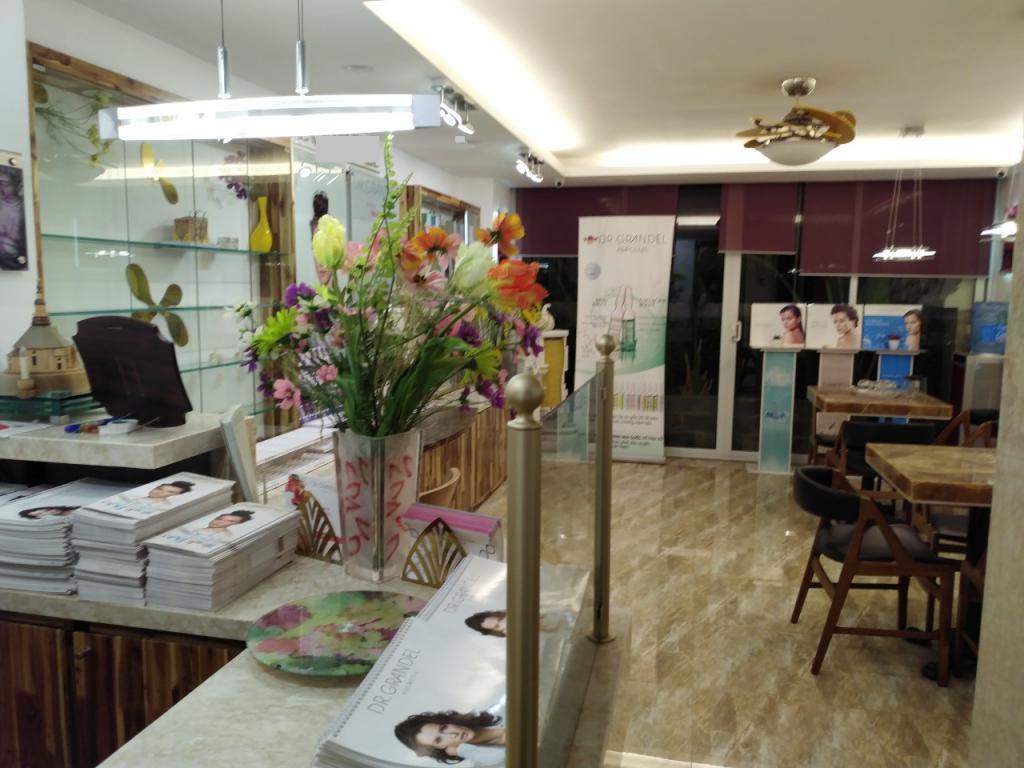 Nhà 6 tầng phố Nguyễn Công Hoan, full nội thất cho Spa, Mỹ Phẩm