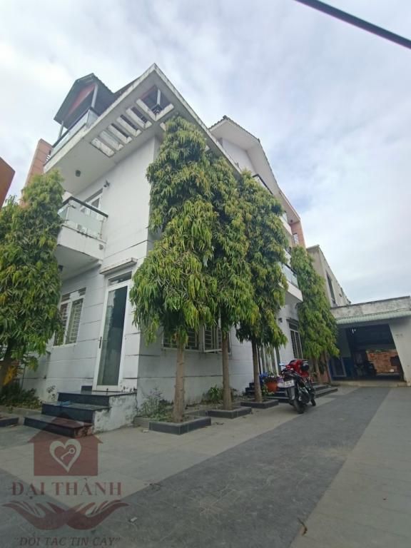 Bán Biệt thự  đẹp P.Tân Phong 1 trệt 2 lầu diện tích 412m2 giá chỉ 12,5 tỷ