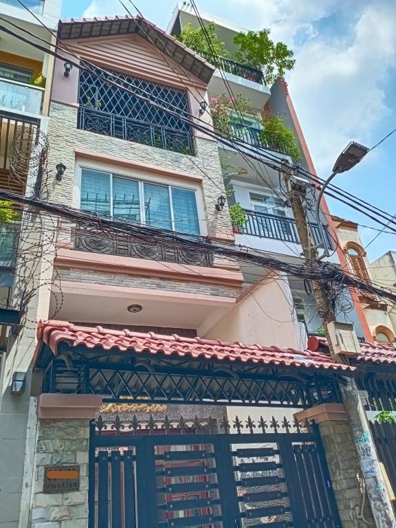 Bán nhà hẻm xe hơi đường Lê Văn Sỹ, phường 1, Tân Bình, 15 tỷ