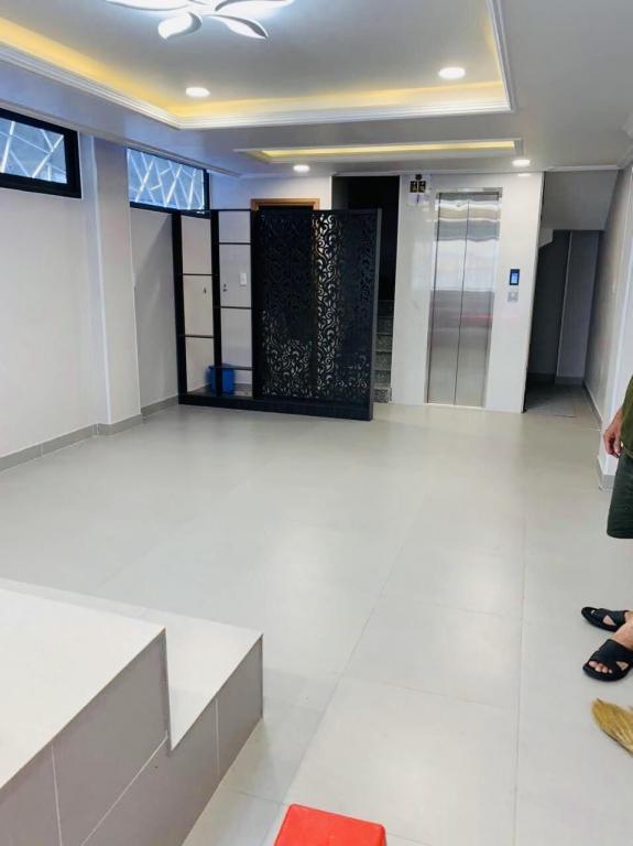 Nhà hẻm xe tải , thang máy , 51m2 , 7 lầu  , Phú Nhuận, giá 15.5 tỷ.